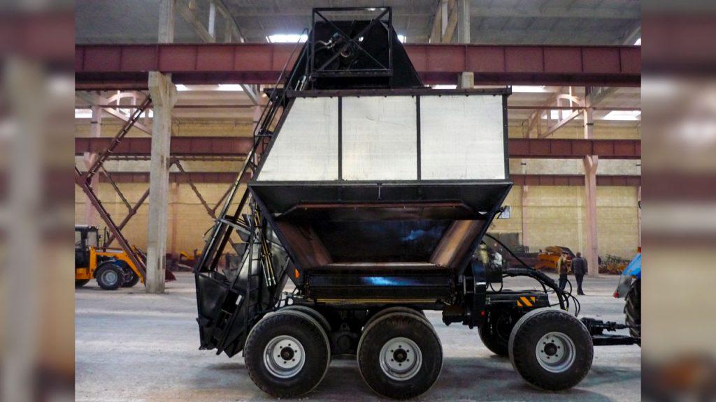Машина для уборки фрезерного торфа Амкодор АТУ-20