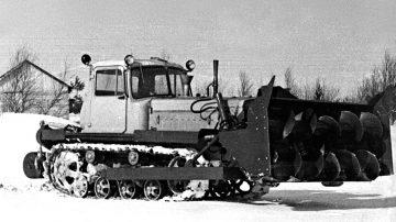 Шнекороторный снегоочиститель ДЭ-220 1971 г.